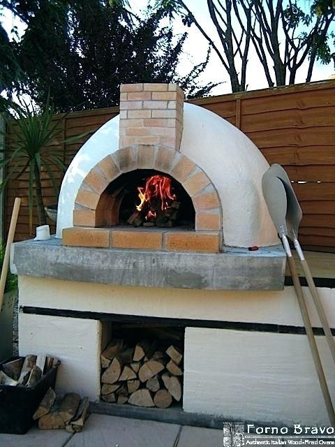 four a pizza exterieur
